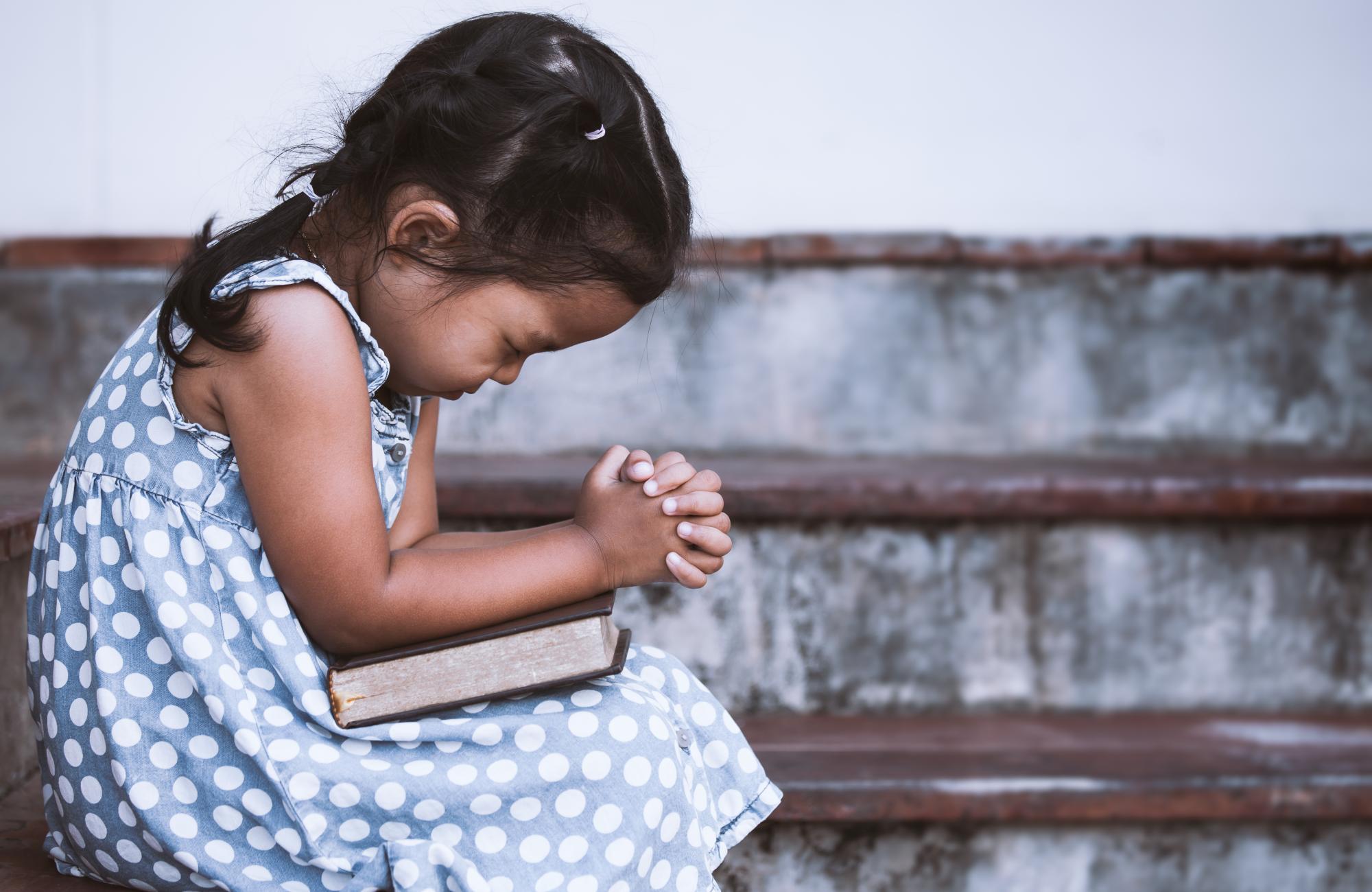 Little girl in Prayer